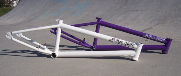 frames-purple-white